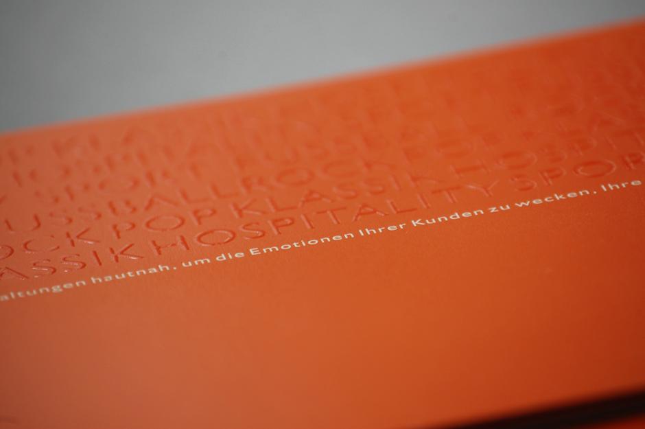 02_Booker_Koeln_CorporateDesign_Broschuere